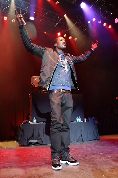 Meek-Mill-in-the-Air-Jordan-11-Space-Jam.jpg