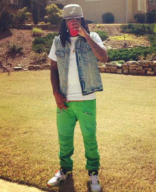 Wale-in-the-Nike-Air-Tech-Challenge-Hybrid.jpg