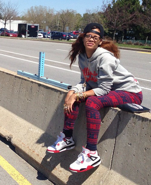 rihanna-in-the-air-jordan-4-fire-red.jpg