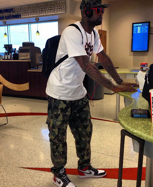 stephen-jackson-in-the-air-jordan-1-black-toe.jpg