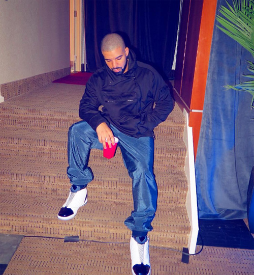 drake-air-jordan-16-midnight-navyのコピー.jpg