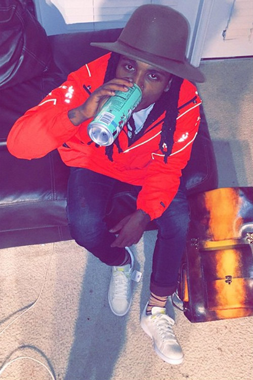 jacquees-adidas-stan-smith.jpg