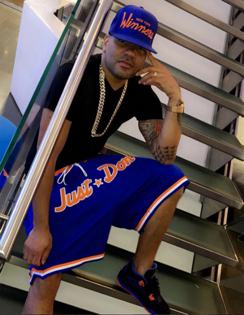 dj-envy-air-jordan-4-cavsのコピー.jpg