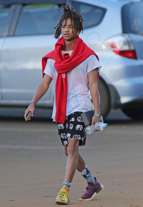 jaden-smith-pharrell-adidas-nmdのコピー.jpg