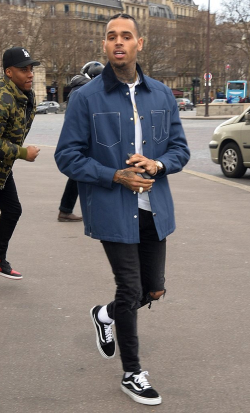 chris-brown-vans-old-skool.jpg