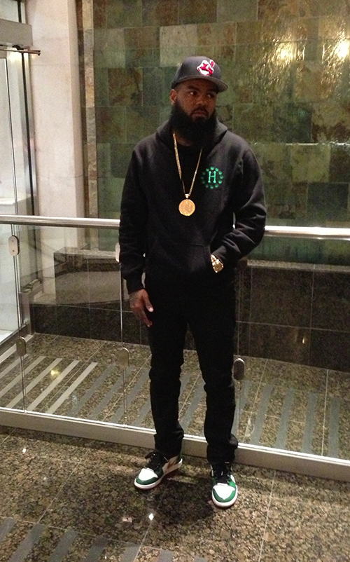 Stalley-in-the-Air-Jordan-1-Clover.jpg