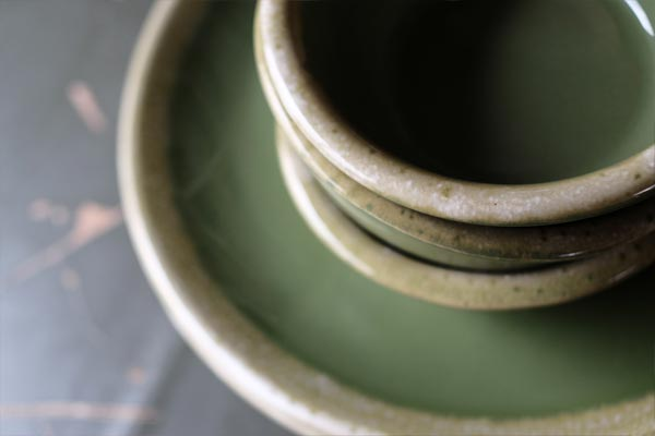 Hull Avocado Green Plates & Bowls