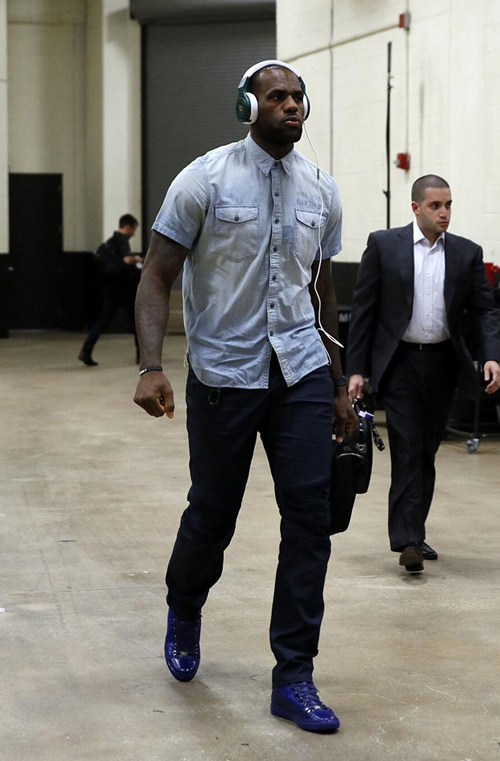 lebron-james-balenciaga.jpg