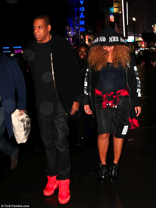 jay-z-nike-air-yeezy-2-red-october.jpg