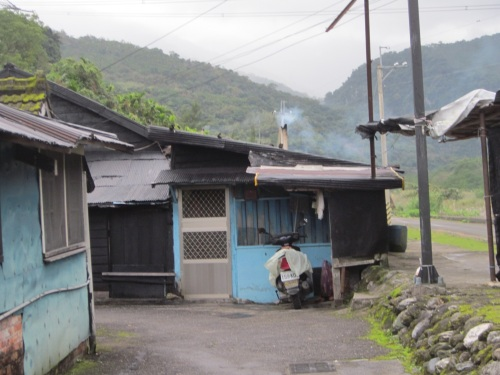 IMG_4131昔の日本社宅.jpg