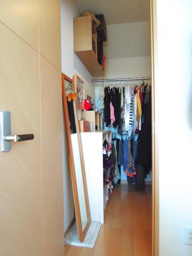 無印の壁に付けられる鏡をクローゼットに設置 | すっきりでナチュラルなおうちライフ - 楽天ブログ