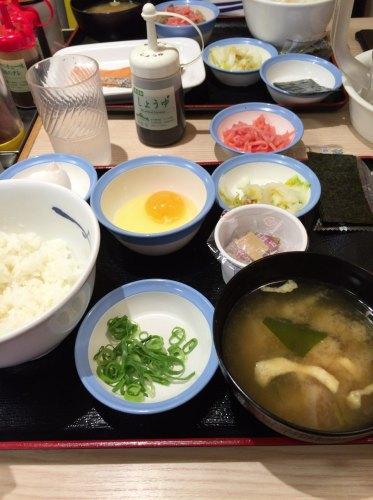朝 定食 松屋 【松屋の朝ごはん】朝食の食べ比べレビュー