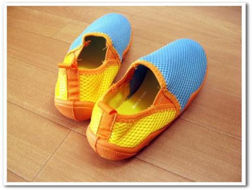 旅行 携帯 スニーカー 運動靴 折りたたみ おすすめ 歩きやすい 痛くない 収納 持ち運び 002.jpg