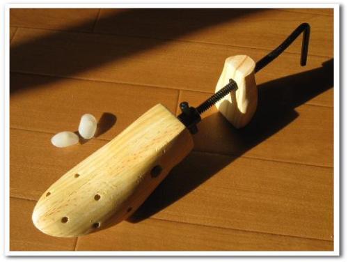 シューズストレッチャー 使い方 効果 口コミ 画像 合わない靴 伸ばす 爪 痛い 修理 004.jpg