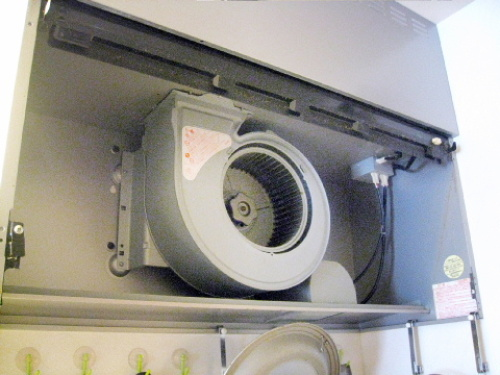 キッチンの換気扇(シロッコファン)を掃除してみた009.jpg