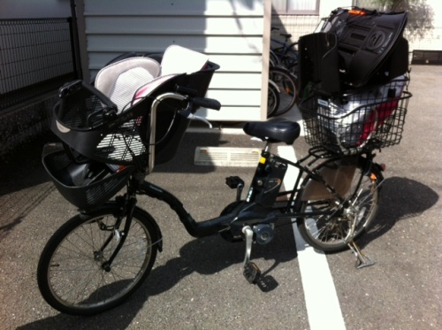 自転車の 1歳 自転車 後ろ : 子供乗せ電動自転車 ギュット ...