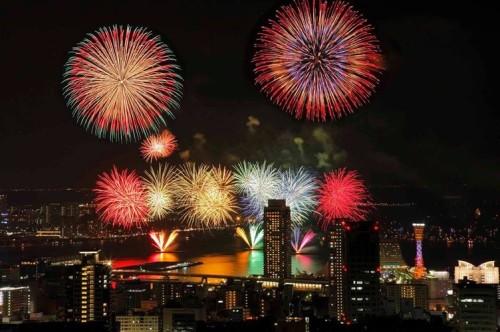 みなとこうべ海上花火大会2016.jpg