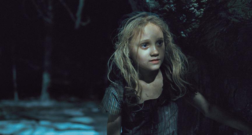 レ・ミゼラブル2012映画の幼いコゼットの画像
