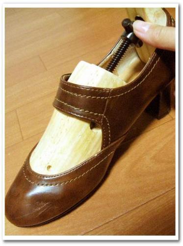 シューズストレッチャー 使い方 効果 口コミ 画像 合わない靴 伸ばす 爪 痛い 修理 011.jpg
