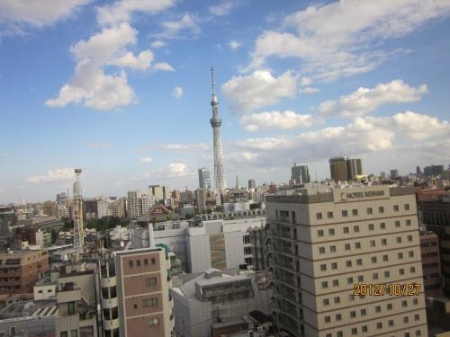 IMG_3471昼間のスカイツリー 窓から.jpg