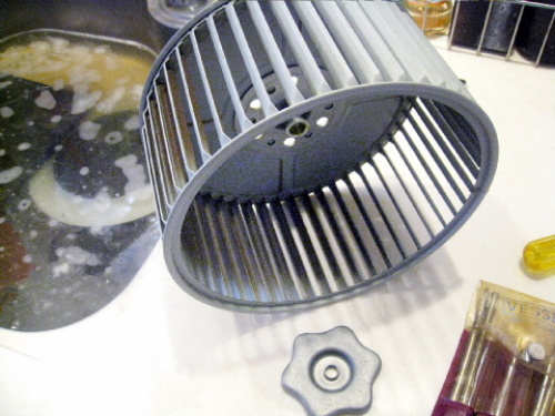 キッチンの換気扇(シロッコファン)を掃除してみた011.jpg