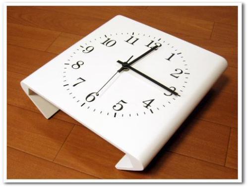 見やすいコーナー用シンプル電波掛け時計(ベルメゾン) レビュー おしゃれインテリア モダンリビング003.jpg