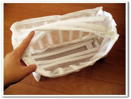 靴 シューズ スニーカー 洗濯機 洗濯ネット 洗濯方法 洗い方 臭い対策 乾燥 脱水 013.jpg