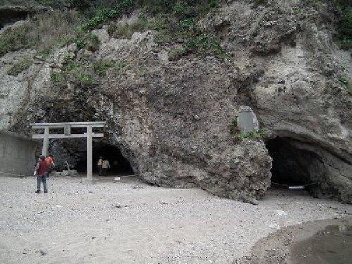 静の岩屋.jpg