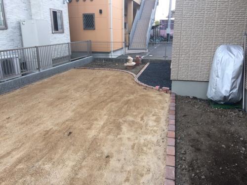 太田市K様邸芝貼りの下地