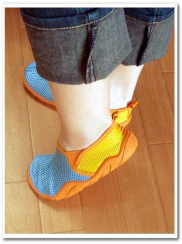 旅行 携帯 スニーカー 運動靴 折りたたみ おすすめ 歩きやすい 痛くない 収納 持ち運び 006.jpg