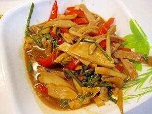 豚肉、蕨、エリンギ、赤ピーマンの簡単炒め