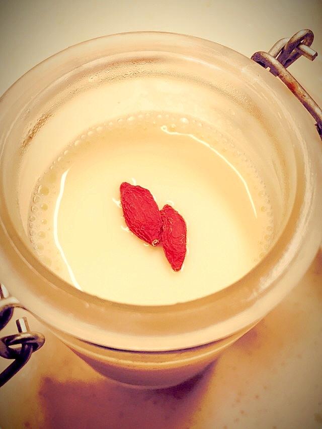 ビワの種と豆乳で杏仁豆腐