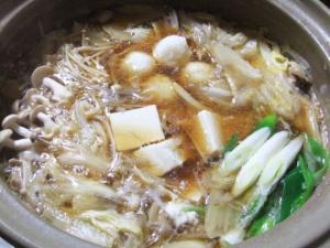 鶏とごぼうの旨味たっぷり 秋田の郷土料理 だまこ鍋