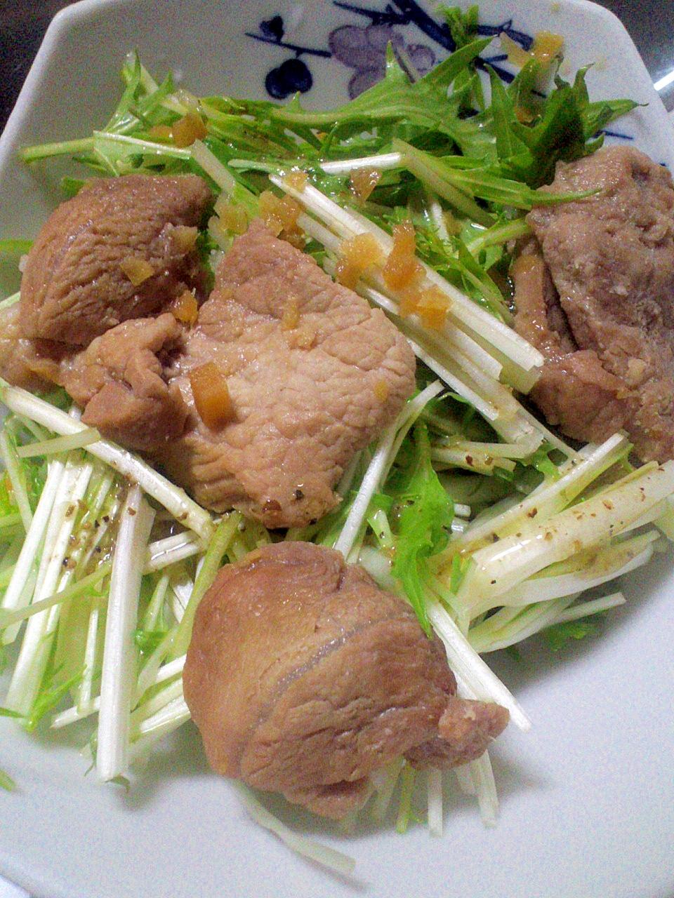 ガッツリ食べたいとき・・・豚肉のしょうが炒めサラダ