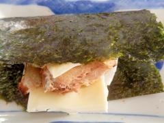 甘いおもちに飽きたら、塩引き鮭で「しょうびき餅」風