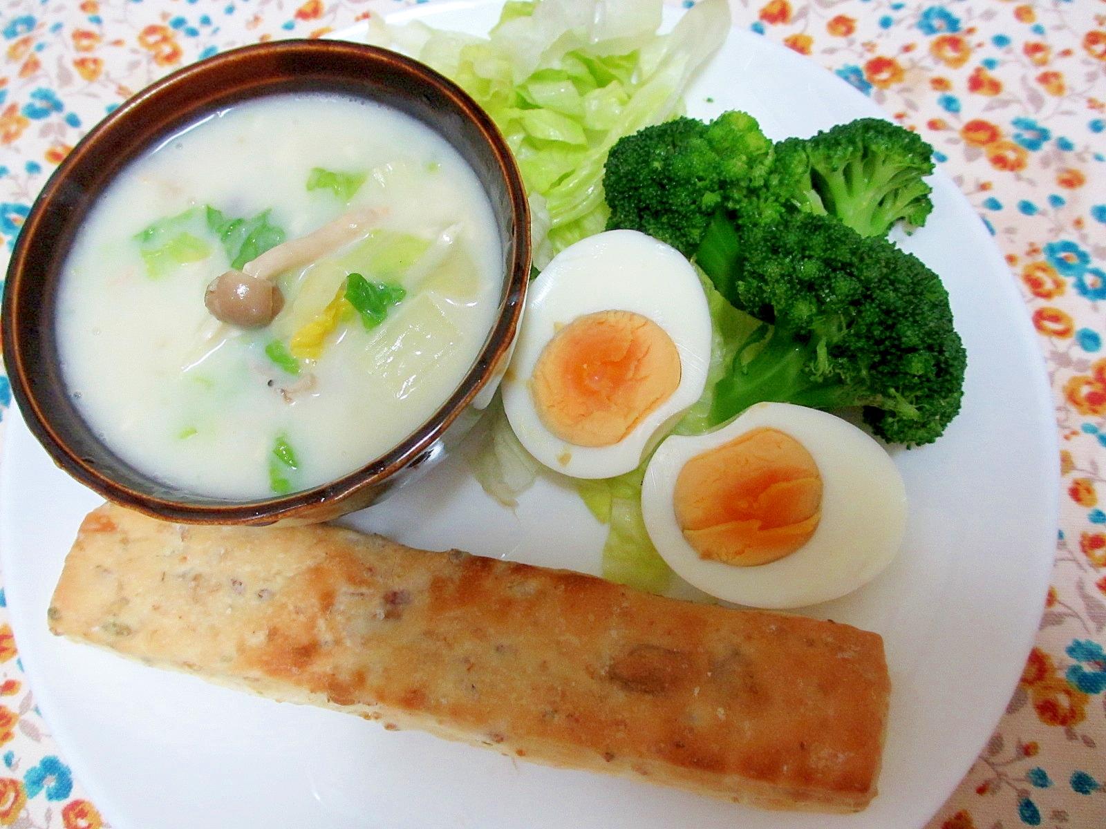 白菜とツナのポタージュ朝パンプレート