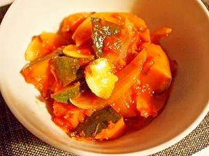 ルクルーゼで♪ 南瓜のトマトソース煮込み