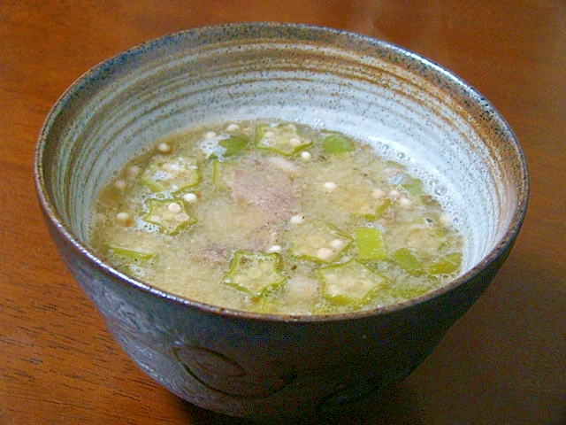 オクラと牛肉の生姜味噌汁