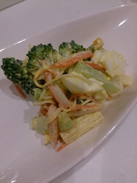 ヤングコーンとブロッコリーのサラダ