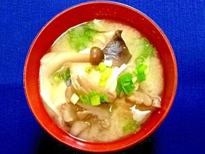 塩きのこを使って!秋鮭ときのこの粕汁