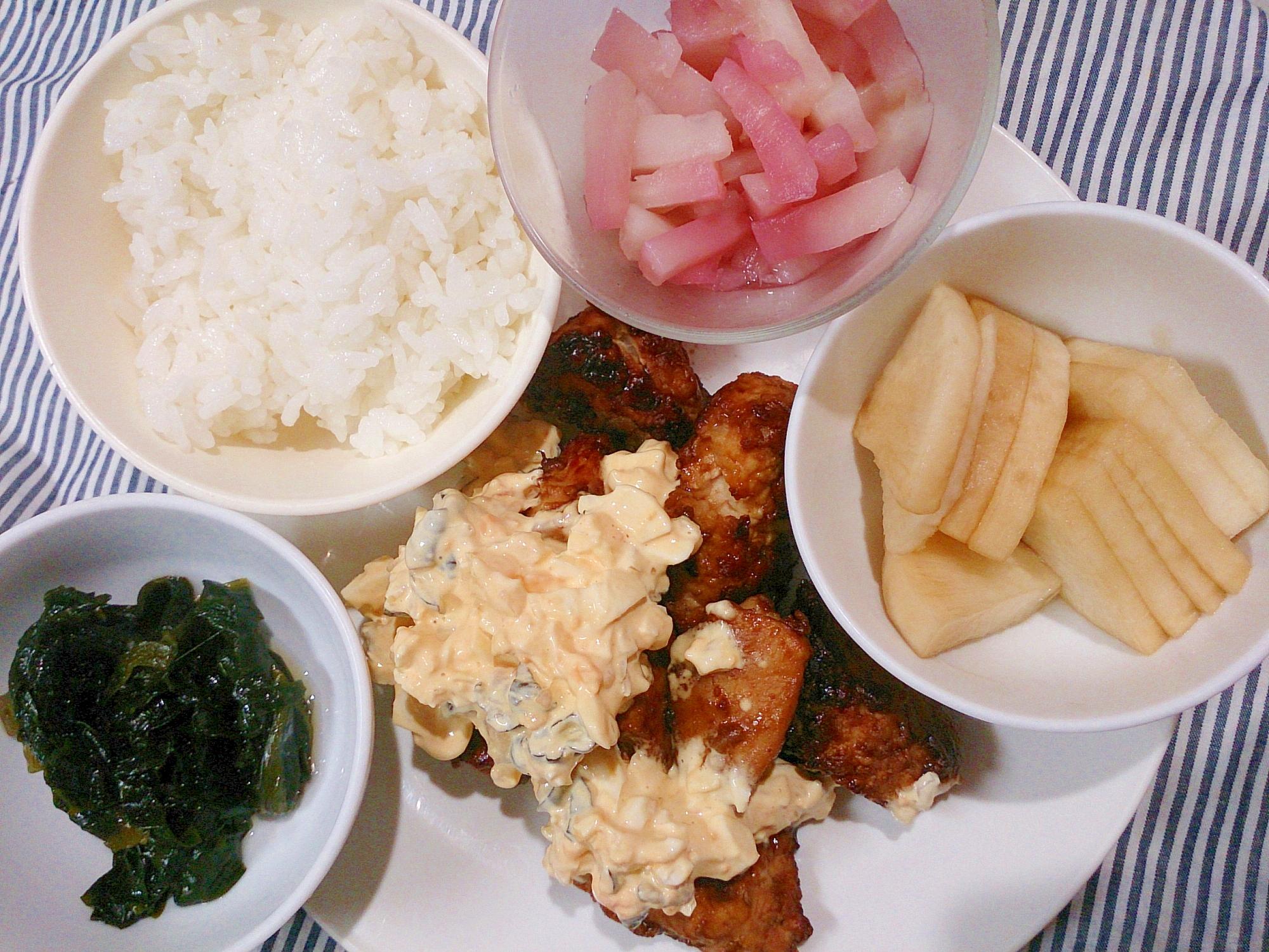 ワンプレート 鶏胸唐揚げタルタルソース添えと酢の物