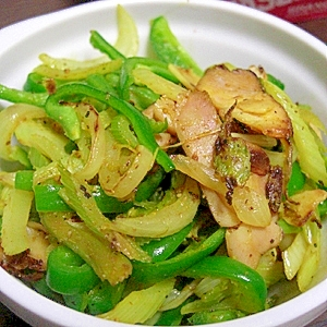 生焼けのわけがない余った加工肉と野菜の救済炒め