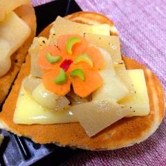 筍の佃煮とチーズの柚子パンケーキ