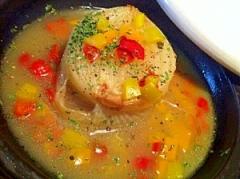 タジンでゴロンと玉ねぎの海鮮だしスープ