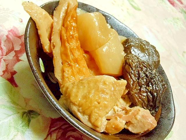 どんこと大根&鶏もも肉と竹輪の白だし生姜煮込み