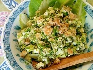 ぽりぽり食感がくせになるカリフラワーのローサラダ
