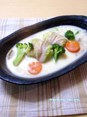 白菜のベーコンロールと野菜の豆乳クリーム煮