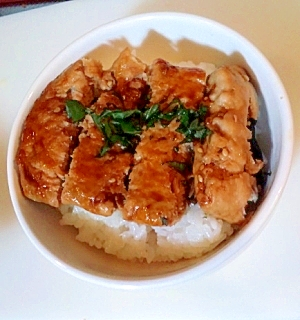 簡単リメイク★焼きネギトロ丼★つくね丼風