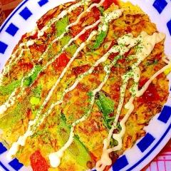 彩り野菜たっぷりのカレーポテトお好み焼き