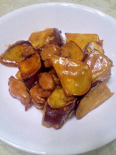 定番に♪豚かたまり肉&サツマイモの揚げ煮